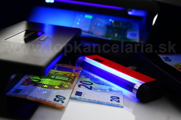Kontrola peňazí UV testerom nabankovky